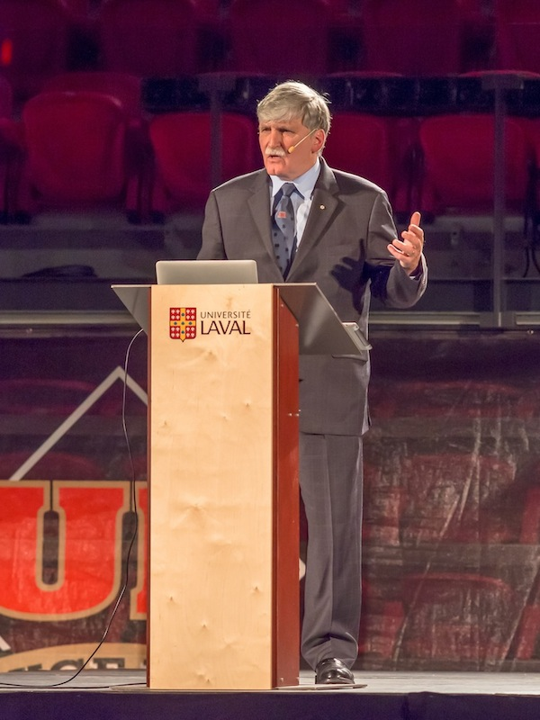the early life and political career of lieutenant general romeo dallaire In the end of 1993, the canadian general romeo dallaire is assigned to lead the united nation troops in rwanda in 1994, when the genocide of the tutsis by the hutus begins, general dallaire gives his best effort to help the people in rwanda, inclusive negotiating with the tutsi rebels, the hutu army and the interhamwe militia.